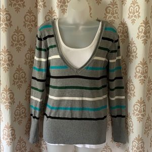 So striped deep Vneck sweater L